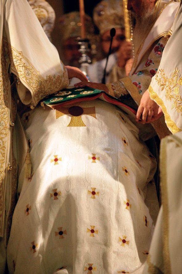 Ναοί χωρίς ιερείς ελέω μνημονίων ΟΡΘΟΔΟΞΙΑ INFO