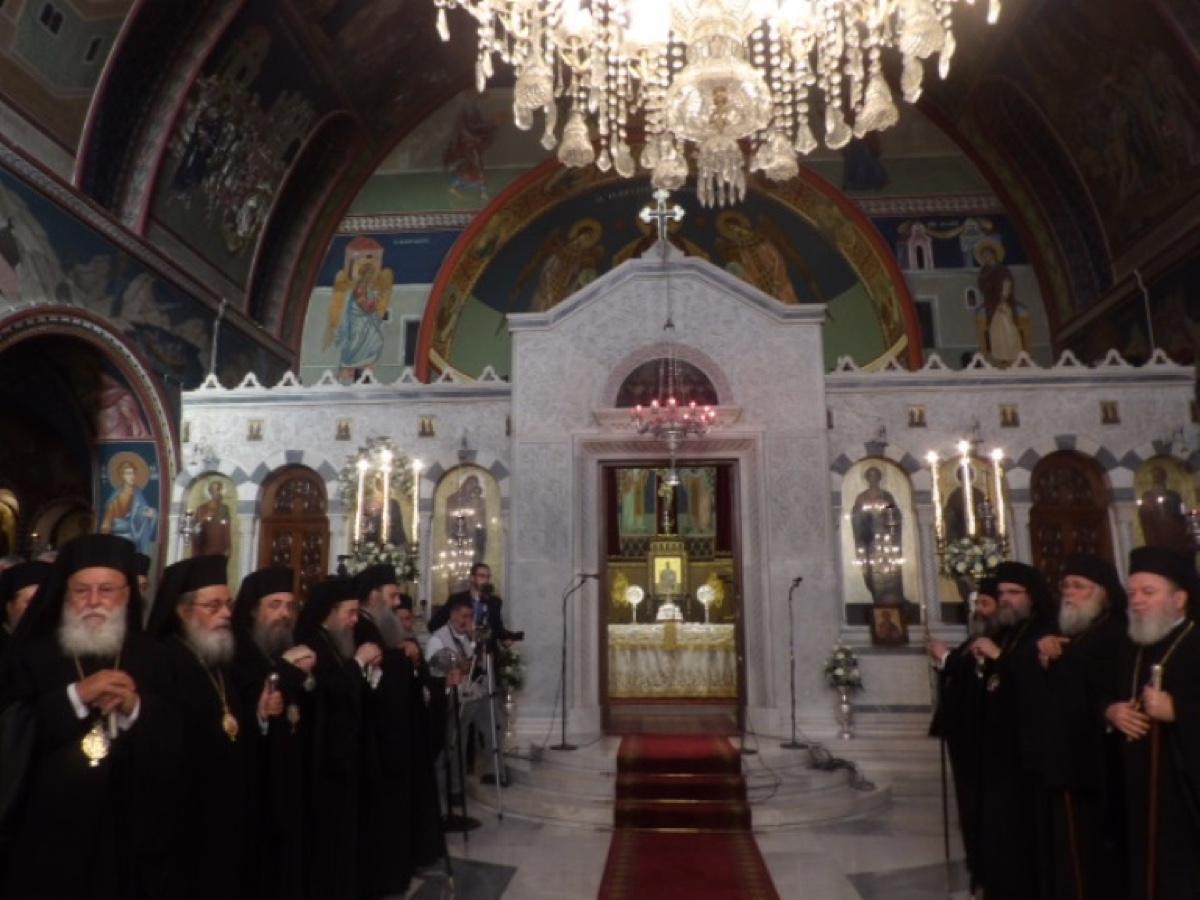 ΟΡΘΟΔΟΞΙΑ INFO Ι Κόρινθος: Μέγας Συνοδικός Εσπερινός για τον Απόστολο Παύλο
