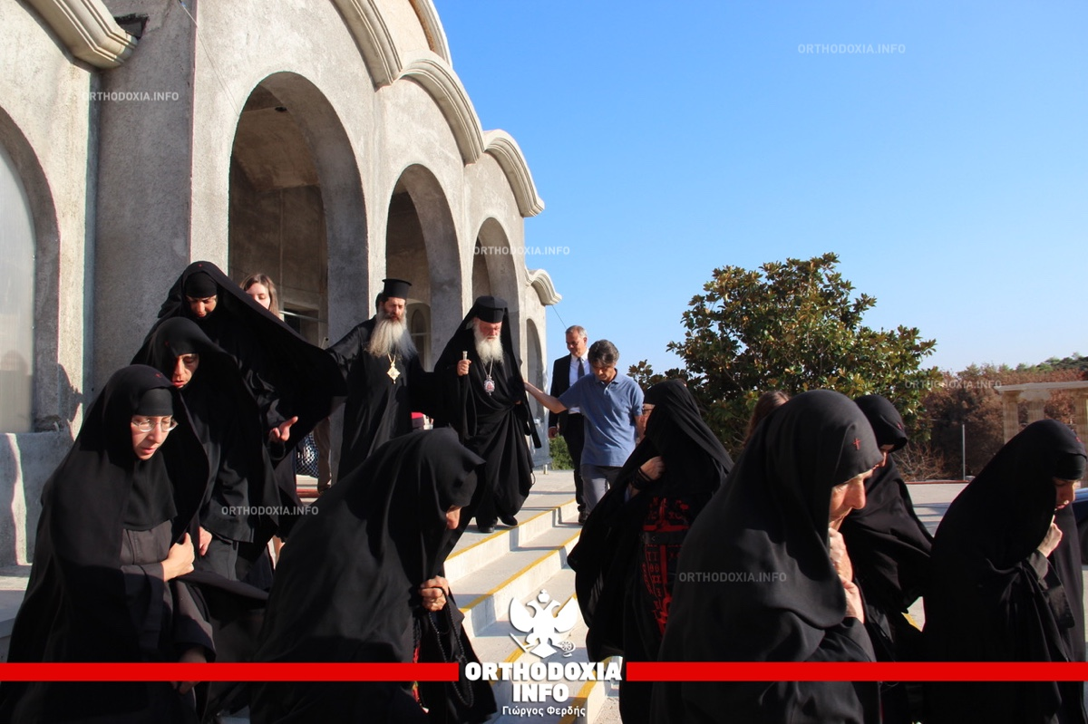 ΟΡΘΟΔΟΞΙΑ INFO Ι Παράκληση στο σημείο από όπου ξεκίνησε η πυρκαγιά τέλεσε ο Αρχιεπίσκοπος
