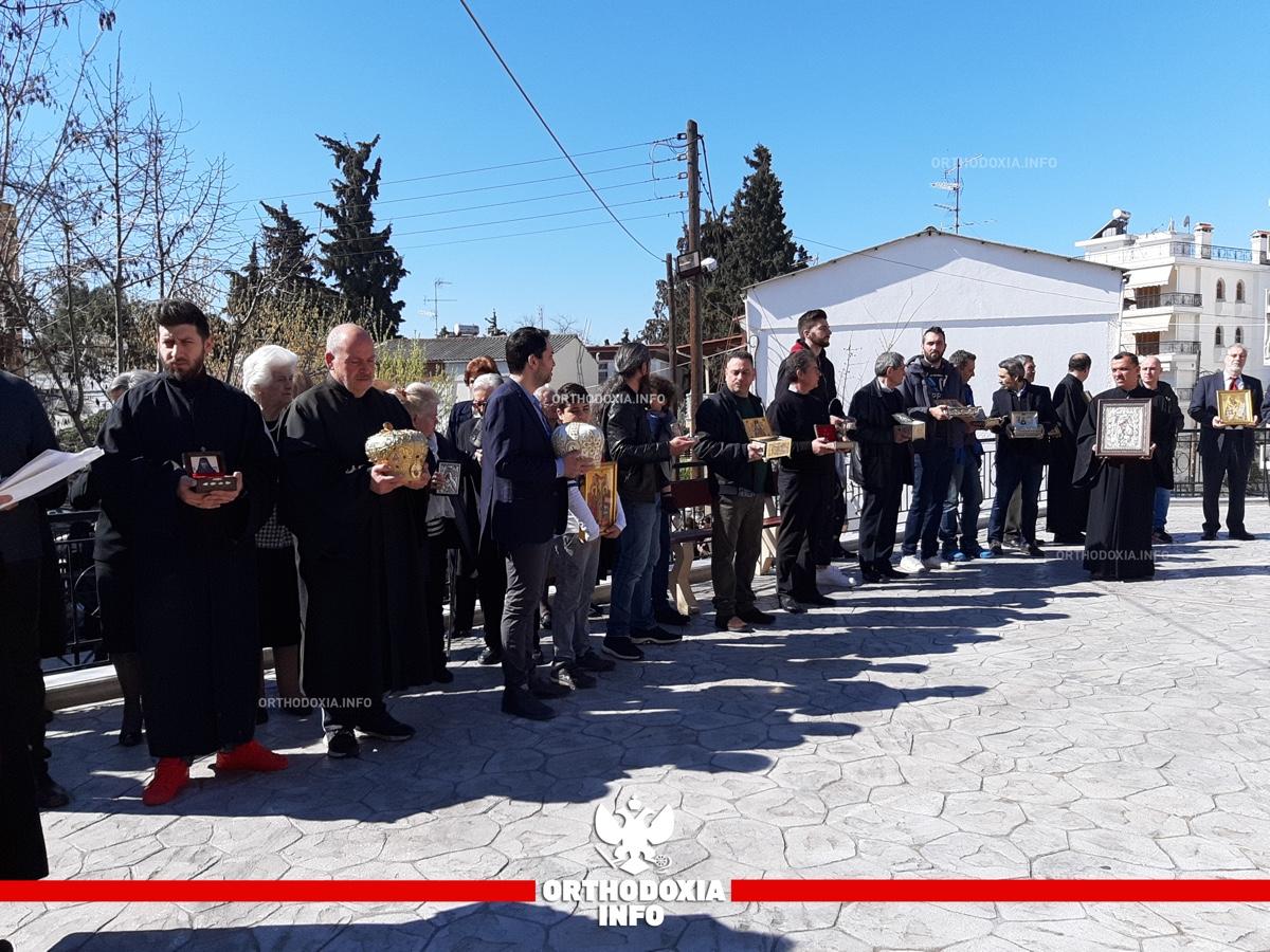 ΟΡΘΟΔΟΞΙΑ INFO | Χαριλάου: Όλο το εκκλησίασμα με εικόνες στα χέρια για τη γιορτή της Ορθοδοξίας