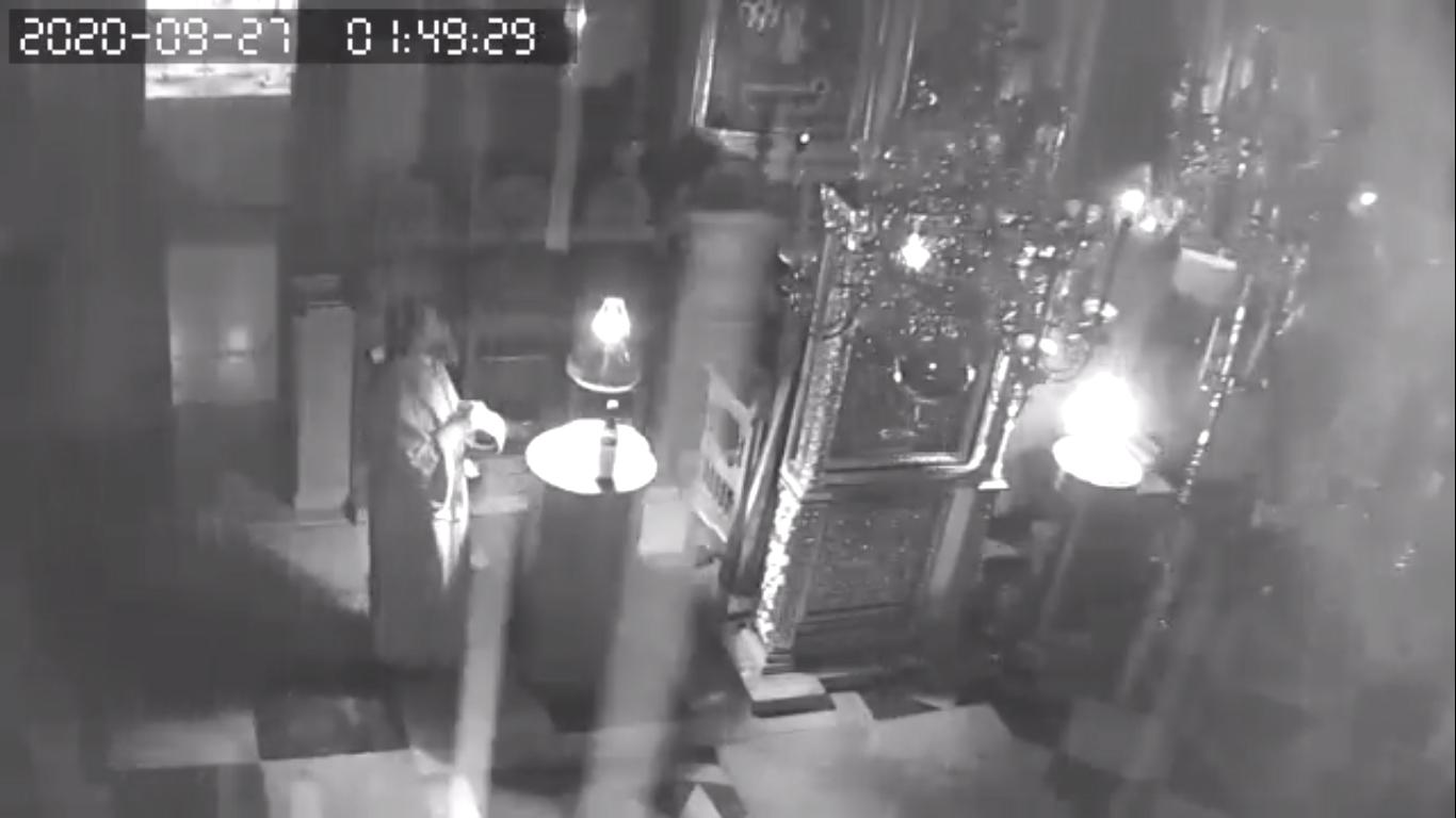 ΑΓΙΟΝ ΟΡΟΣ: Η στιγμή του σεισμού στον ναό του Πρωτάτου - ΟΡΘΟΔΟΞΙΑ INFO