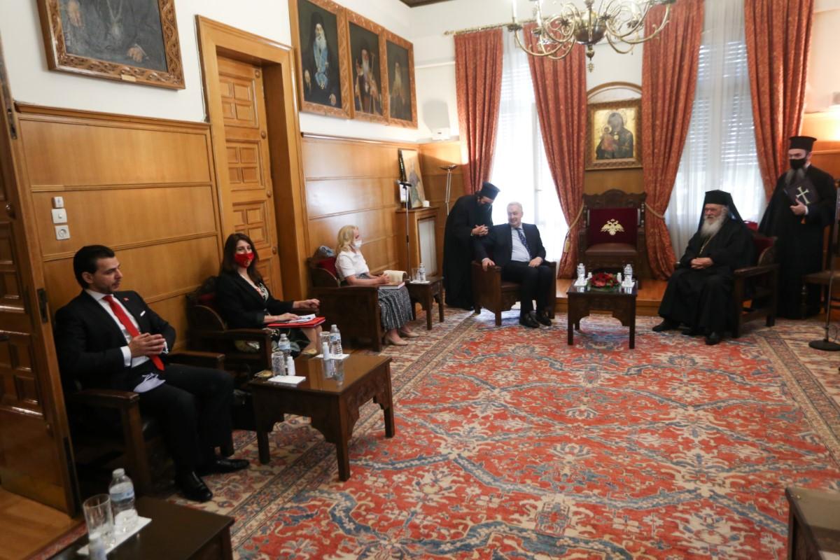 """Πρωθυπουργός Μαυροβουνίου Ζντράβκο Κριβοκάπιτς: """"Οι πιστοί έχουν δικαίωμα να συμμετέχουν στις Ιερές Ακολουθίες ακόμη και με μέτρα""""  (ΦΩΤΟΓΡΑΦΙΕΣ)"""
